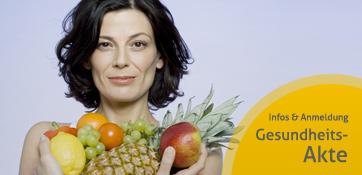 Frau mit Obst - weiter zu unserer Gesundheitsakte mit Patientenquittung