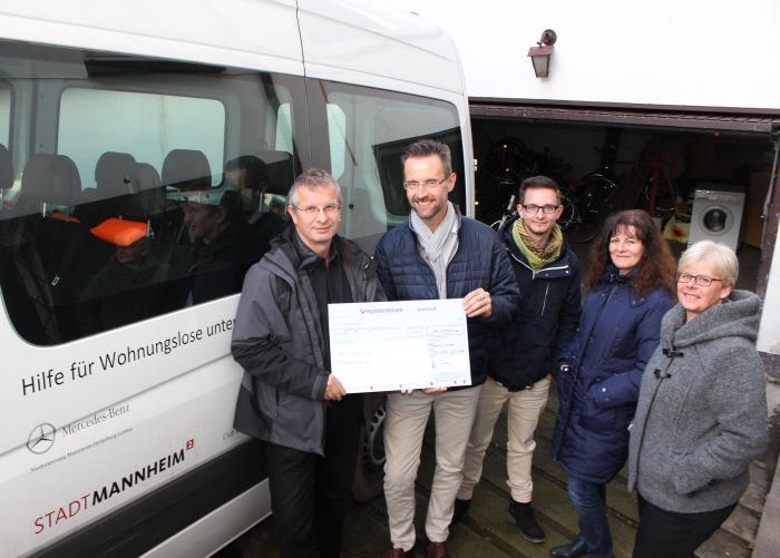 Die BKK Pfalz zu Besuch beim Kältebus Mannheim